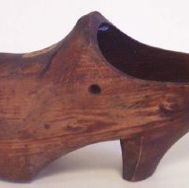 """Image of C07.546 - """"French wooden shoe"""""""