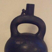 Image of C06.532.1 - Stirrup-spout vessel