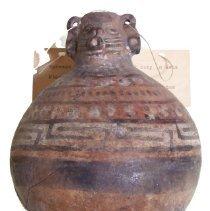 Image of C09.504 - Peruvian Funerary Jug