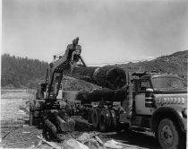 Image of KE2534 - Lumber - Transportation - Motor Vehicles