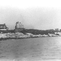 Image of PHOTOGRAPH, NANEPASHEMET HOTEL AND NEIGHBORING HOUSES
