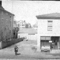 Image of PHOTOGRAPH, JEREMIAH LEE MANSION, 161 WASHINGTON ST., AND NEIGHBORING BUILD