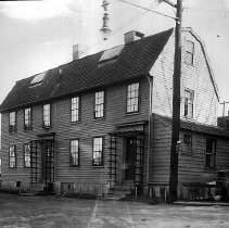 Image of PHOTOGRAPH, GILLEY HOUSE, FRONT ST. - BLACK & WHITE PHOTOGRAPH OF THE HOUSE TAKEN FROM THE STREET.  �IT IS A TWO STORY, GAMBREL ROOFED,  5 BAYED COLONIAL �HOUSE.  THERE ARE TWO DOORS WHICH OPEN ONTO THE STREET.