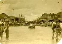 Image of Oakes Street during flood