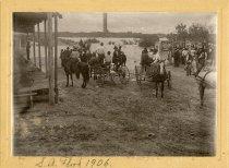 Image of 1906 flood at Oakes St bridge
