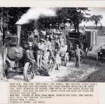 Image of Rundle threshing gang