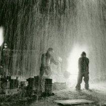 Image of American Art - Raining Fire:  Iron Pour Demonstration