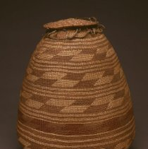 Image of Native American Baskets - Lidded Storage Basket (Sipnuk)