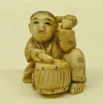 Image of Miscellaneous - Seated Drummer Netsuke