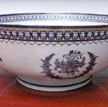 Image of Miscellaneous - Chinese Export Porcelain Bowl