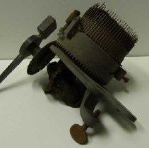 Image of H2010.0265.0001 - Machine, Knitting