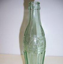 Image of H2011.0027.0012 - Bottle