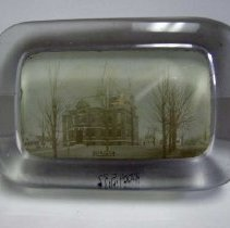 Image of H2004.0005.0032 - Paperweight