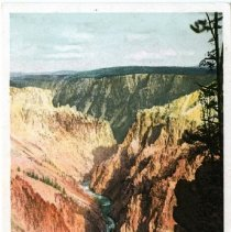 Image of Yellowstone Canyon from Inspiration Point