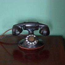 Image of Telephone -