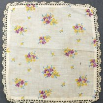 Image of 1990.036.024 - Doily