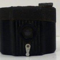 Image of 2013.110.003 - Camera