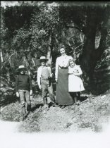 Image of A canyon outing - mom and the kids