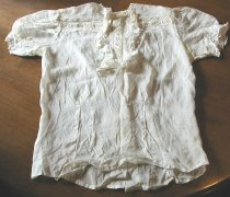 Image of Clothing  - Short-sleeved blouse