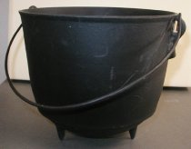 Image of Revolutionary War Colonial Early American kitchen food preparation kettle - kettle