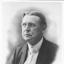 Image of Dr.James C.Carleton