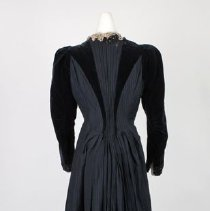 Image of Dress (back)