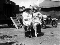 Image of CWi 730 - Harriet Hodgini and Tom Mix