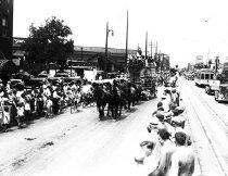Image of CWi 877 - Parade Scene