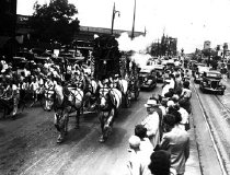 Image of CWi 880 - Parade Scene