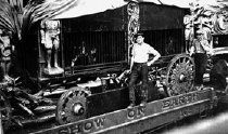 Image of CWi 389 - Tigers in Cage Wagon, Barnum & Bailey Circus