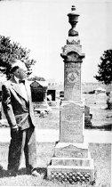 Image of CWi 337 - Fayette ( Yankee) Robinson gravesite