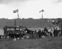 Image of CWi 402 - The Cookhouse Tent and Steam Wagon from Buffalo Bill's Wild West, 1913