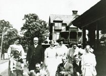Image of CWi 4724 - Hutchinson Family