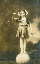 Image of CWi 3376 - Gladys Ranft