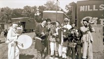 Image of CWi 13781 - Mills Bros. Circus