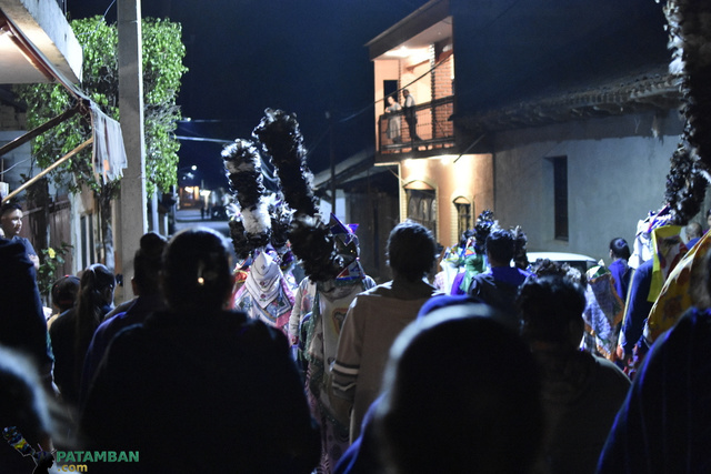 Procesión con los Judíos por la noche en Semana Santa