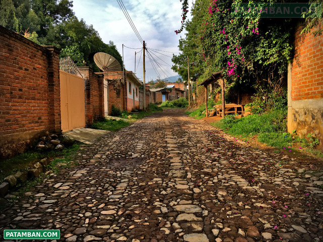 calle empedrada en patamban
