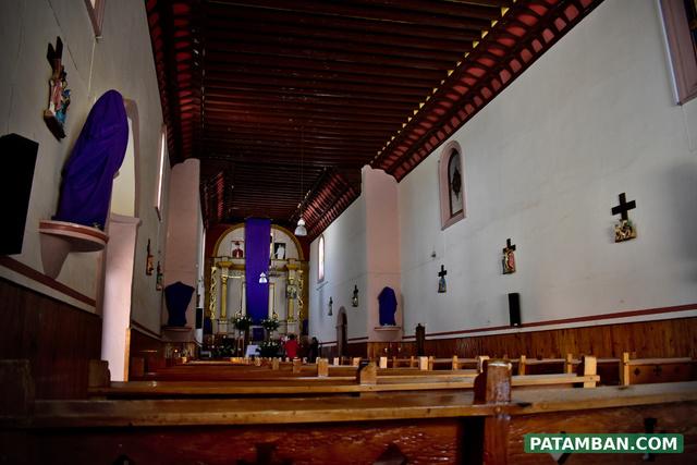 interior iglesia bancas patamban