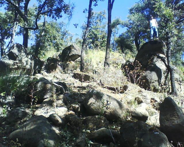 Piedras cerro tres marias patamban