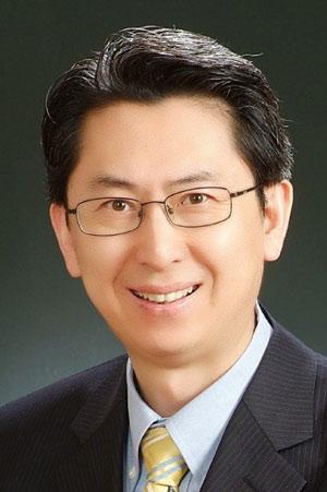 Rev. J Martin Lee