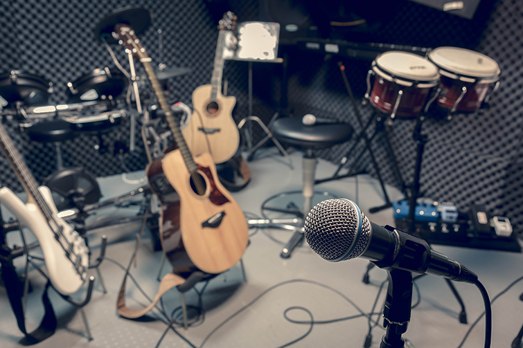 Effectively Using Royalty Free Music to Enhance Corporate Videos
