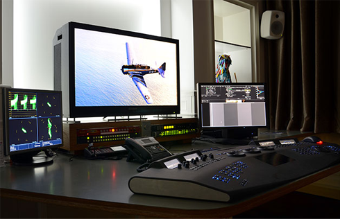 Which is the best grading monitor for new colorists?