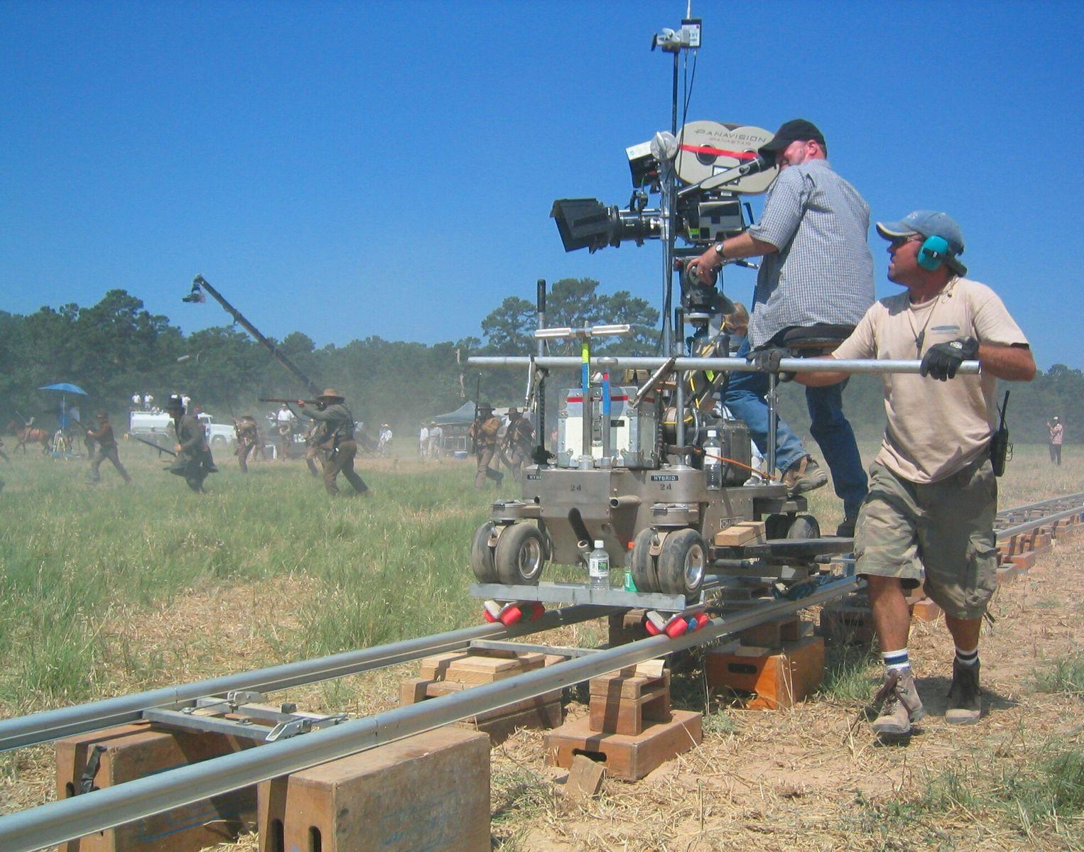 من هو الغريب – Grip؟ وما دوره بالتحديد في عالم صناعة الأفلام؟