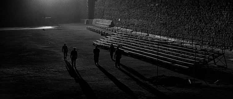 How to Frame a Long Shot Like a Master Cinematographer - Multiple Characters, In Cold Blood