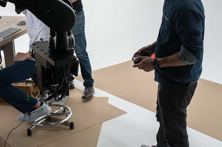 Microsoft Used a Robot and an Xbox Controller to Shoot a Commercial - Controlling KIRA