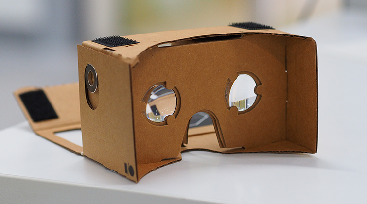 7 Clever (and Affordable) Holiday Gifts for Filmmakers: Google Cardboard
