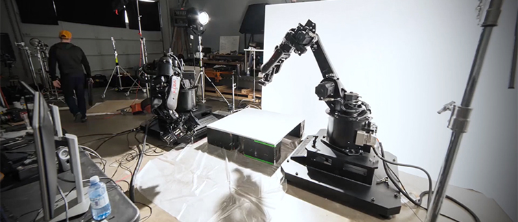 You Can Now Buy a Robotic Camera Arm That Plugs into an Outlet — Comparison