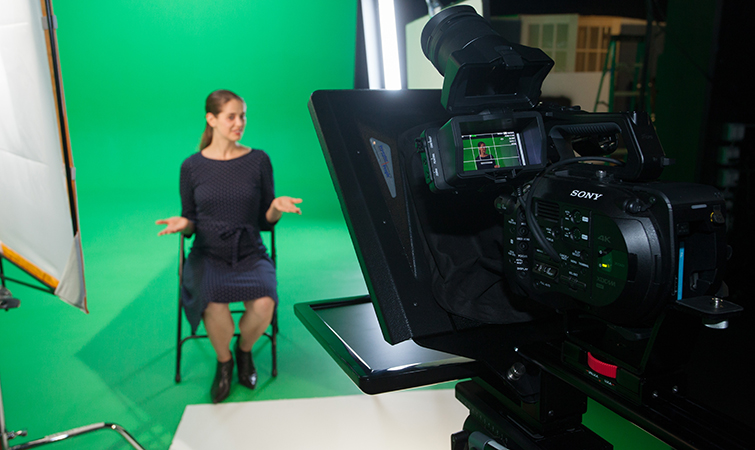 7 Tips for Working with Teleprompters on Video Shoots — Establish Pace