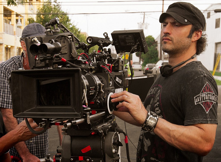 Get $7,000 from Robert Rodriguez to Make a Film in 14 Days - Robert