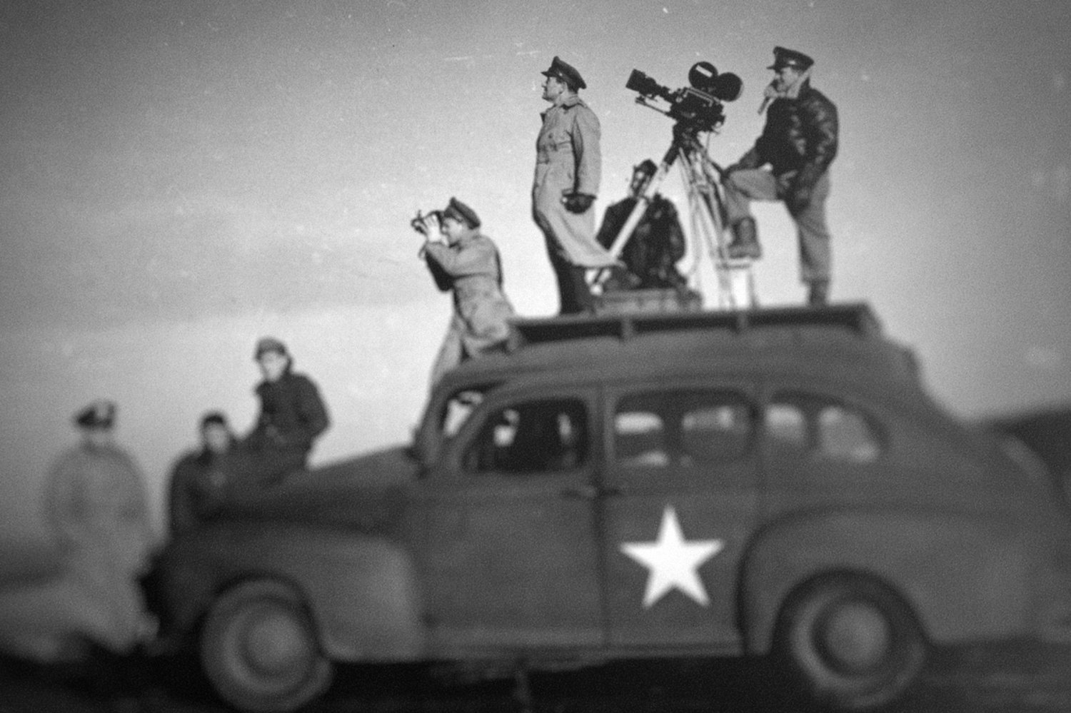 """""""Five Came Back"""" — Lessons from Famous Directors During WWII — Still"""